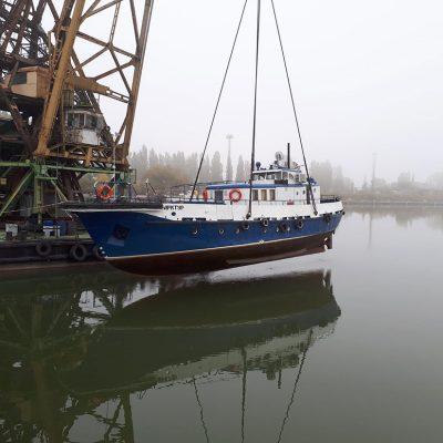 Ренийский порт готовит разъездной катер «Арктур» к работе в зимнем сезоне