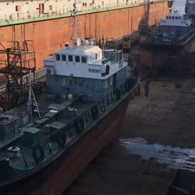 АСРЗ проводит докование льяльщиков Мариупольского и Бердянского портов и плавкрана ММТП