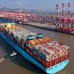 В крупных морских портах по всему миру усилились заторы