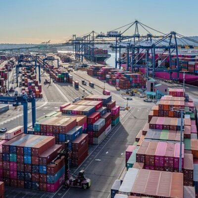 Рост глобального рынка контейнерных перевозок начал замедляться