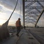 В Киеве временно запретят навигацию под одним из мостов