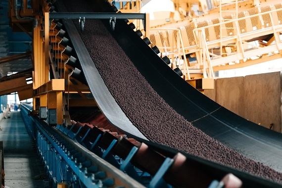 «Металлоинвест» начал экспорт окатышей через новый терминал на Балтике