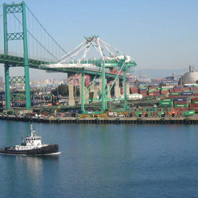 Крупнейший порт США будет доплачивать терминалам за быструю обработку грузов
