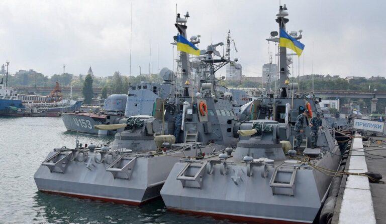 Великобритания поможет Украине строить военно-морские базы