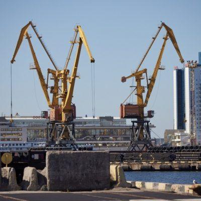 Одесский порт — лидер по перевалке контейнеров, металла и нефти
