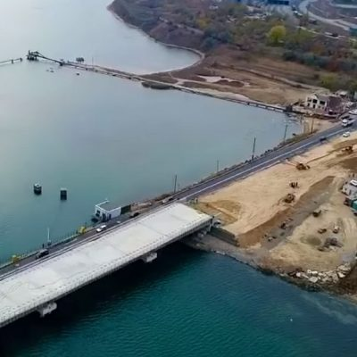 На строительстве моста через Сухой лиман началось возведение насыпей