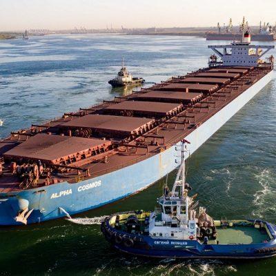 Сумма портовых сборов для кейпсайза в «Пивденном» в 2,3 раза больше, чем в Роттердаме