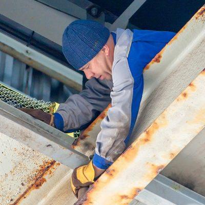 ОПЗ ремонтирует транспортную галерею цеха перегрузки карбамида