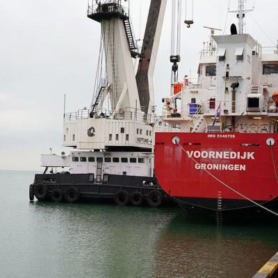 Госстивидор ММТП отремонтирует плавкран «Нептун-4»