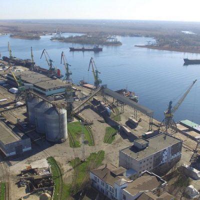 Херсонский порт сохраняет лидерство по перевалке цемента в таре