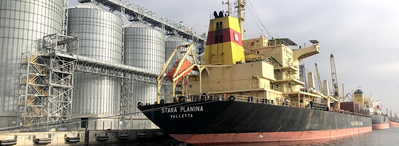 Николаевский порт лидирует по объему перевалки зерна и масла