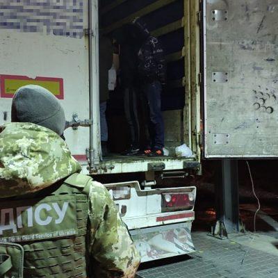 На паромном комплексе «Черноморска» задержали 13 нелегальных мигрантов