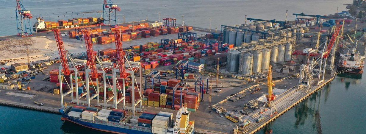 Одесский порт фиксирует падение контейнерооборота