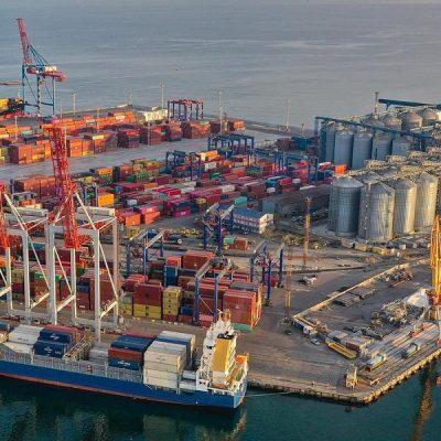 Морпорты сократили контейнерооборот на 4% в первом полугодии