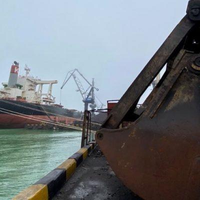 Порт «Пивденный» сократил грузооборот на 20% в январе-сентябре