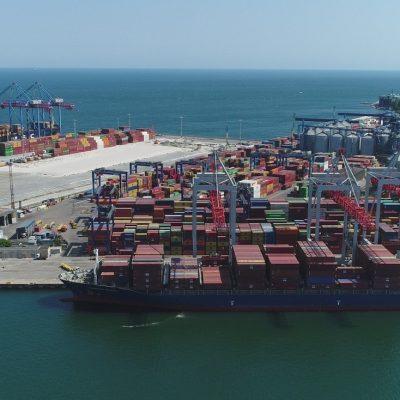 Морпорты продолжают снижать динамику перевалки контейнеров