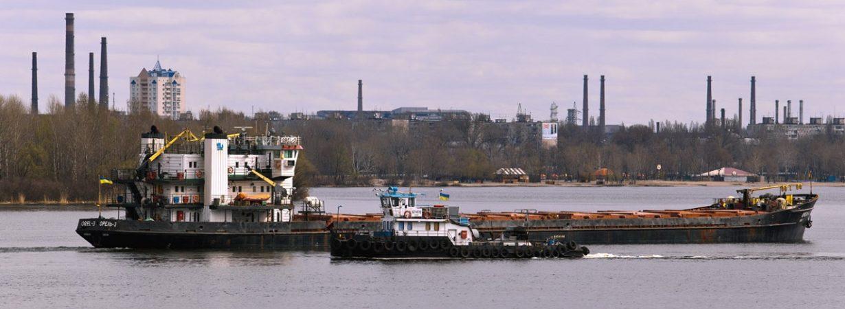 Кабмин одобрил эксперимент по отмене разрешений на заходы иностранных судов в речные порты