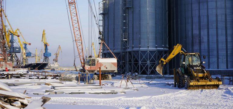 На строительстве зернового терминала в Мариупольском порту завершено обустройство фундаментов