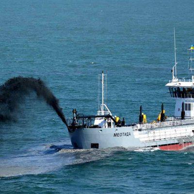 АМПУ обновила годовой рекорд дноуглубления собственным флотом