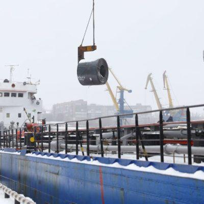 «Запорожсталь» сократила отгрузку металлопродукции через Запорожский речпорт на 4% в 2020 году