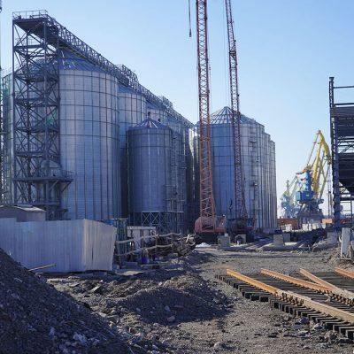 Мариупольский порт начал завершающий этап строительства зернового терминала