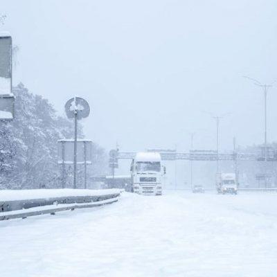 В Киев временно запретили въезд грузовиков из-за непогоды