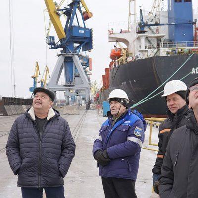 Госстивидор ММТП увеличит парк кранов грузового района №2