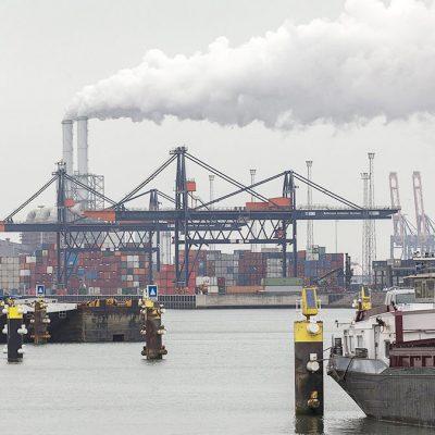 Крупнейший порт Европы сократил грузооборот на 7% в 2020 году