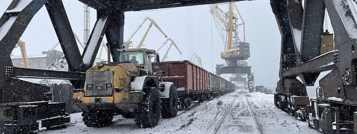 Пять крупнейших морпортов сократили грузооборот на 23% в январе