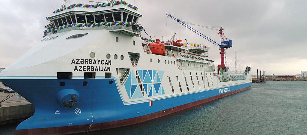 В Азербайджане спустили на воду паром по украинскому проекту