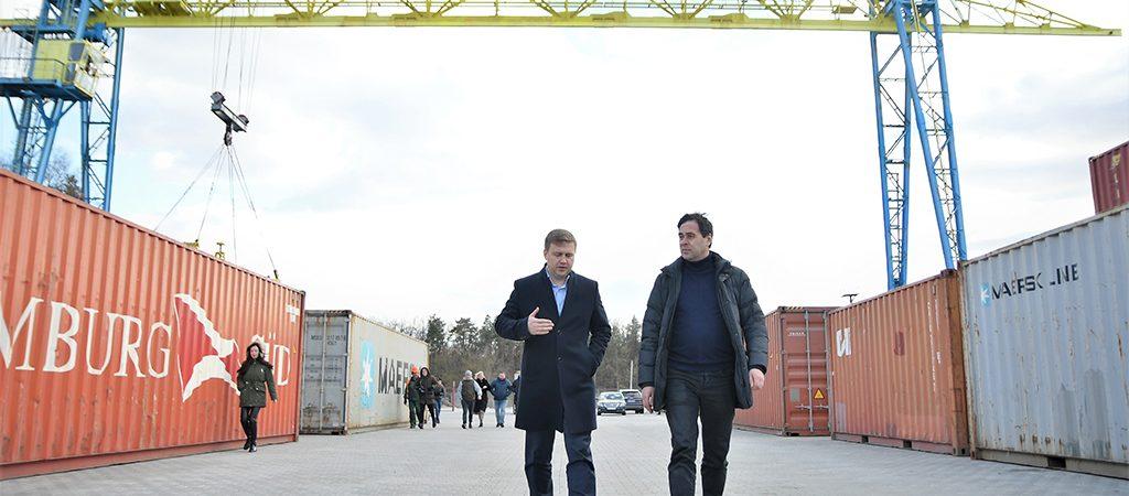 В Ровенской области начал работу второй в Украине «сухой порт»