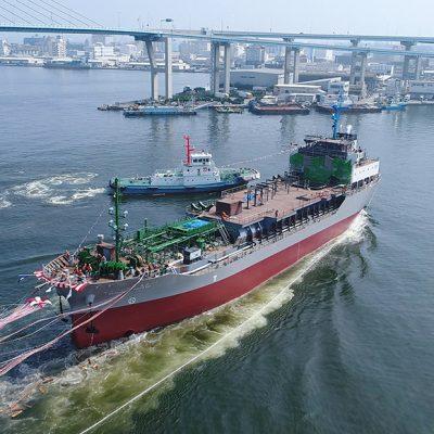 Япония отменит портовые сборы для судов на СПГ и водороде