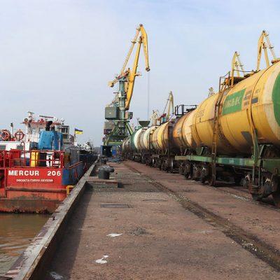Измаильский порт возобновил перевалку жидких удобрений