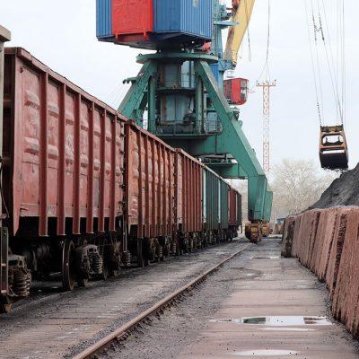 «Укрзализныця» увеличила среднесуточную погрузку более чем на 8% в апреле