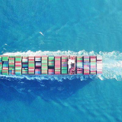 Американская торговая сеть зафрахтовала контейнеровоз на фоне задержек поставок