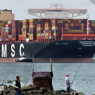 Более 300 контейнеровозов простаивают на подходах к портам по всему миру
