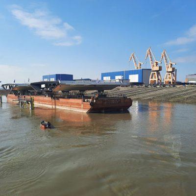 Флот УДП перевез конструкции строящегося в Румынии моста