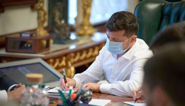 Зеленский подписал закон о ратификации соглашения о закупке 130 грузовых электровозов для «Укрзализныци»