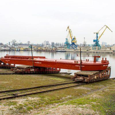Киевский ССРЗ спустил на воду баржу «Госгидрографии»