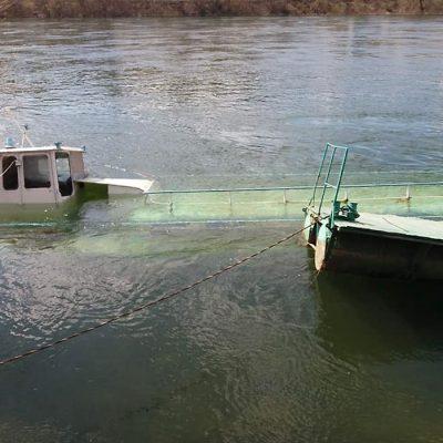 В Могилеве-Подольском у пристани затонул пассажирский теплоход