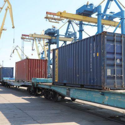 Мариупольский порт возобновил перевалку контейнеров