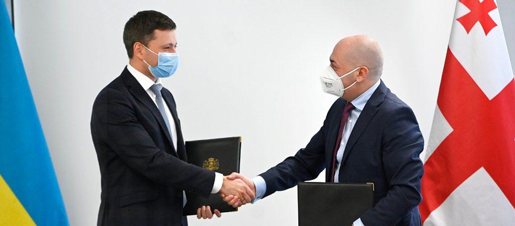 Украина и Грузия будут развивать паромное сообщение