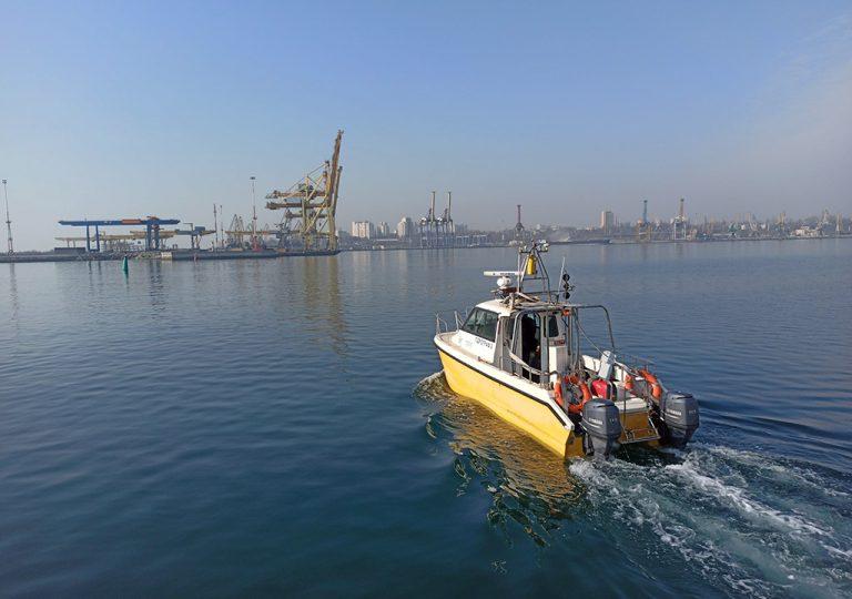 «Госгидрография» исследует акваторию порта Черноморск
