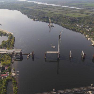Плавкран «Захарий» приостановил работу на строительстве моста в Запорожье из-за повреждения