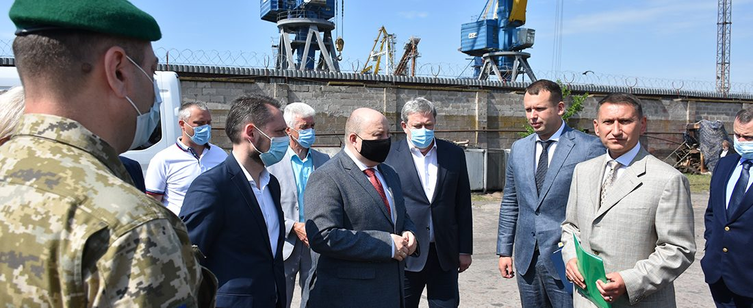 Кабмин разделит комплекс АСРЗ и базу Морской охраны в Мариуполе