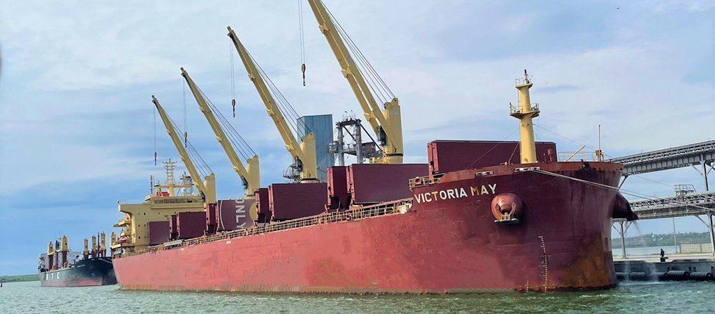 «Ника-Тера» в рекордный срок загрузила судно зерном