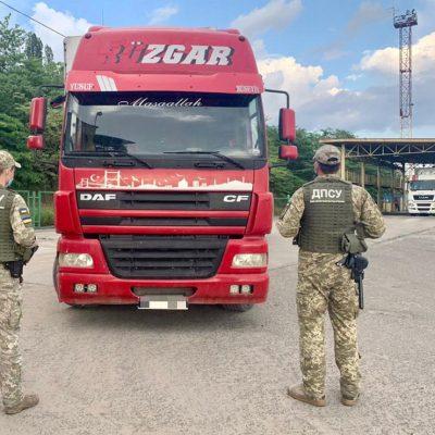В порту Черноморск пограничники обнаружили находящийся в международном розыске грузовик