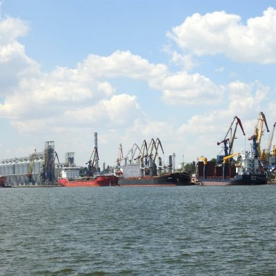 Николаевский порт обрабатывает одновременно шесть судов