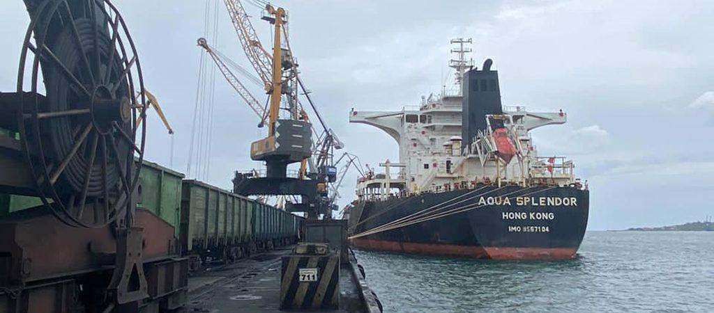 Порт «Пивденный» сократил грузооборот на 22% в январе-августе