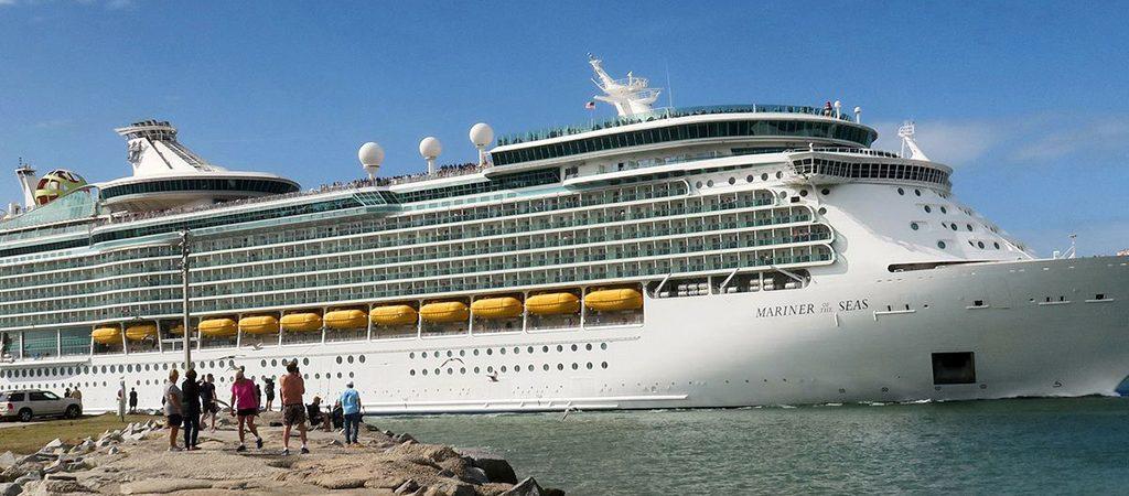 Royal Caribbean вернет на маршруты первые семь круизных лайнеров